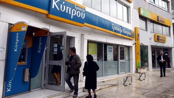 Los grandes bancos de Chipre perdonaron préstamos a diputados y a grandes empresas