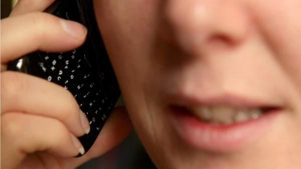 Usar el teléfono móvil puede triplicar el riesgo de sufrir algunos tipos de tumor cerebral