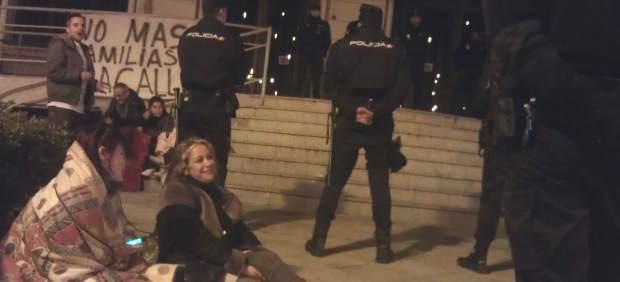 Protesta frente a la EMVS