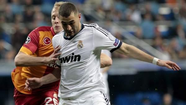 Benzema ante el Galatasaray