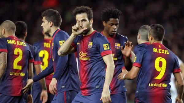 Cesc Fàbregas celebra un gol
