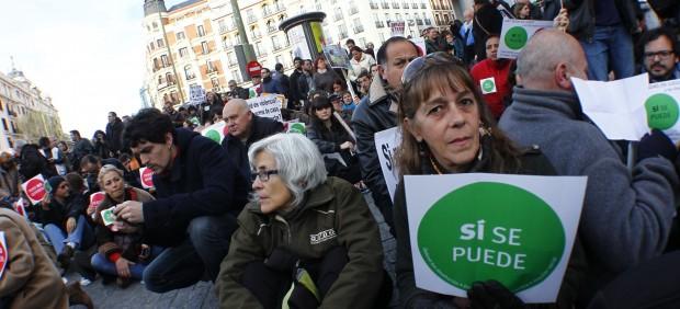 Escrache ante la sede del PP en Madrid