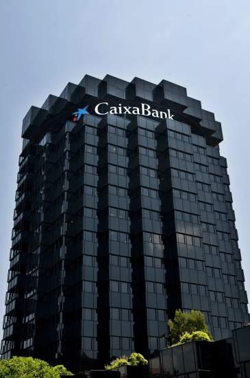 La caixa abre un monte de piedad en madrid con fines for Oficinas caixabank madrid