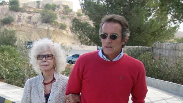 Cayetana de Alba y su marido, Alfonso Díez.
