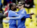 Torres y Moses con el Chelsea
