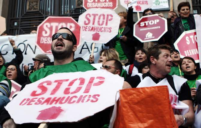 Una jueza frena un desahucio por cláusulas abusivas y condena a Bankia a pagar las costas