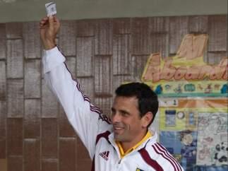Capriles, votando en Caracas