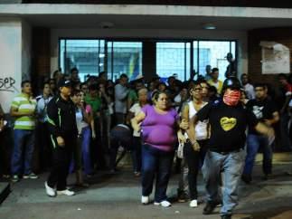 Chavistas y opositores