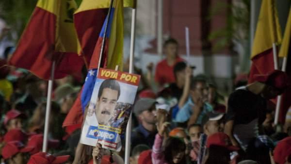 Seguidores de Maduro