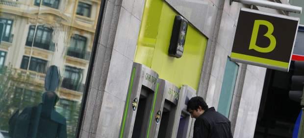 Bankia escucha ofertas para vender su filial en florida for Pisos de bancos bankia