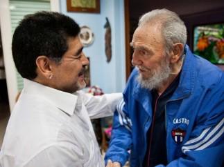 Castro recibe a Maradona en La Habana