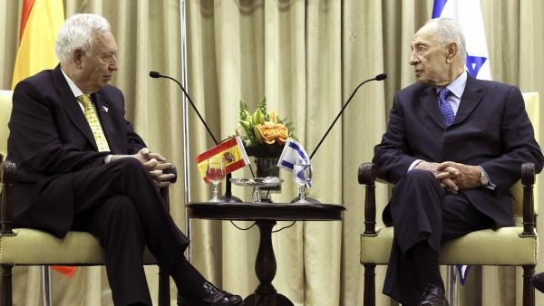 José Manuel García-Margallo y Simón Peres