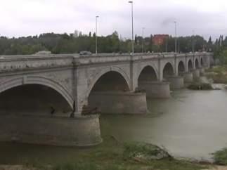 Un puente sobre el río Guadalquivir