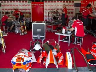 Mecánicos en el GP de Jerez