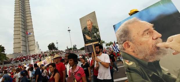 Fidel Castro no confía en Estados Unidos, pero respalda la