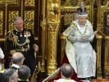El príncipe Carlos y la reina Isabel