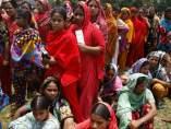 Trabajadores del edificio derrumbado en Bangladesh
