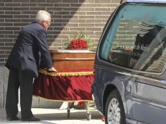 El féretro con los restos mortales de Alfredo Landa
