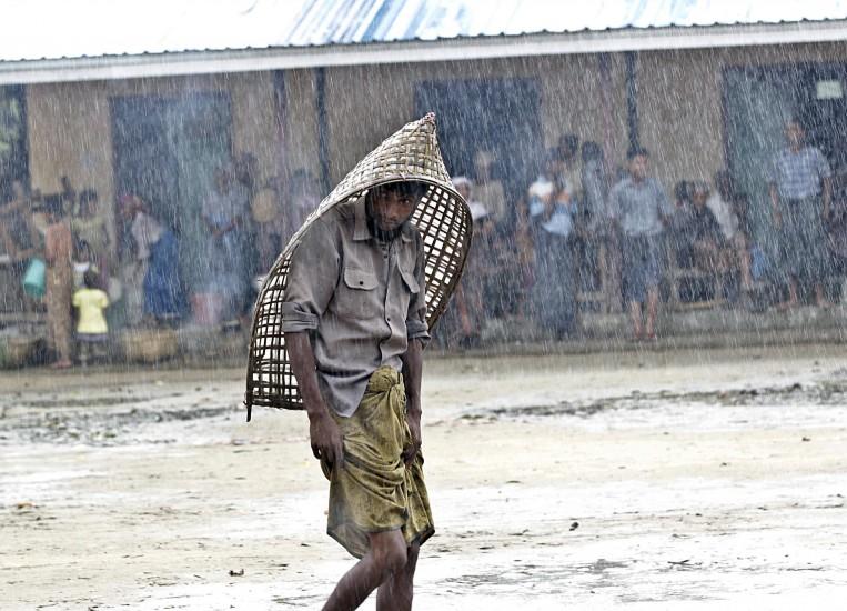 Birmania ordena evacuar 160.000 personas ante la llegada de un ciclón