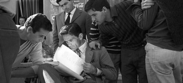 """Pier Paolo Pasolini durante el rodaje de """"Accattone"""", 1961"""