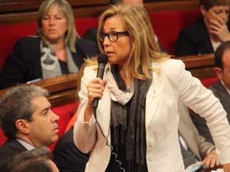 Joana Ortega, vicepresidenta de la Generalitat catalana, en el pleno del Parlament.