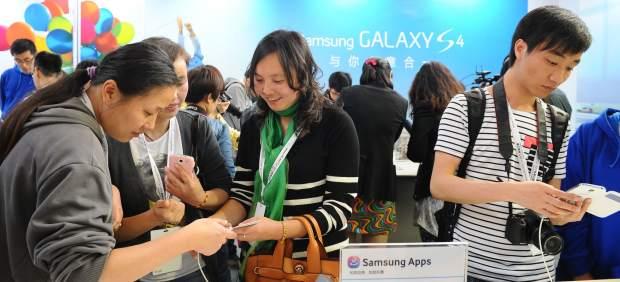 Samsung arrasa en la venta mundial de móviles