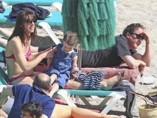 David Cameron y su familia en las playas de Ibiza