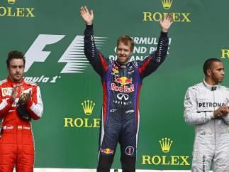 Vettel gana en Canadá y aumenta su ventaja