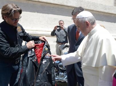 papa Francisco, en moto