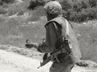 Sans titre (Trackers n° 8) Lakhich Army Base, Beit Gubrin, Israel / Palestine, 2005