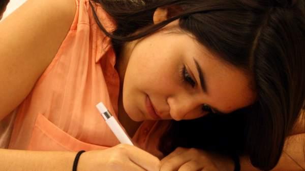 Una estudiante en la Selectividad
