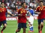 Thiago Alcántara celebra uno de sus tres goles en la final del Europeo sub-21 de Israel