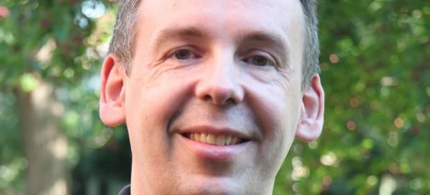 """James Alison, cura católico gay: """"Hay obispos y cardenales gays"""""""