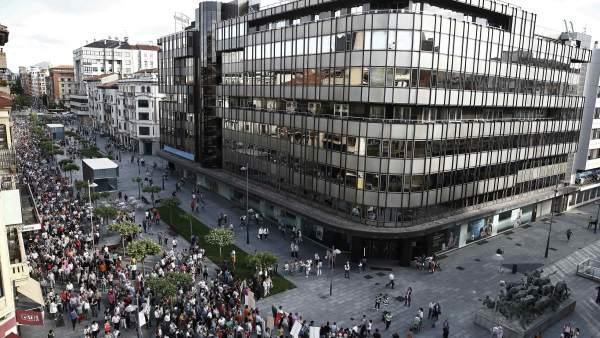 Protestas en Pamplona contra la presidenta Barcina