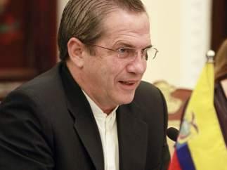 Ricardo Patiño, canciller ecuatoriano, en su visita de este lunes a Vietnam.