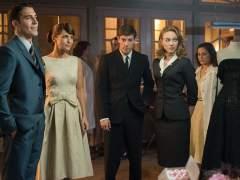 El reparto de 'Galerías Velvet', en uno de los episodios.