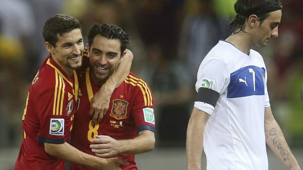 Xavi felicita a Jesús Navas
