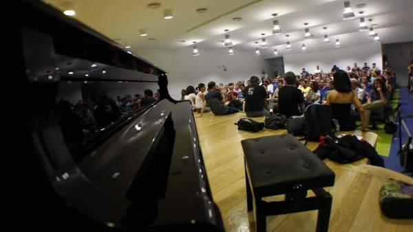 Asamblea de profesores de música y padres
