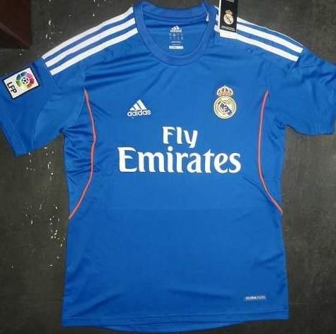Foto  Segunda camiseta del Real Madrid 2013 2014  86a1936602dea