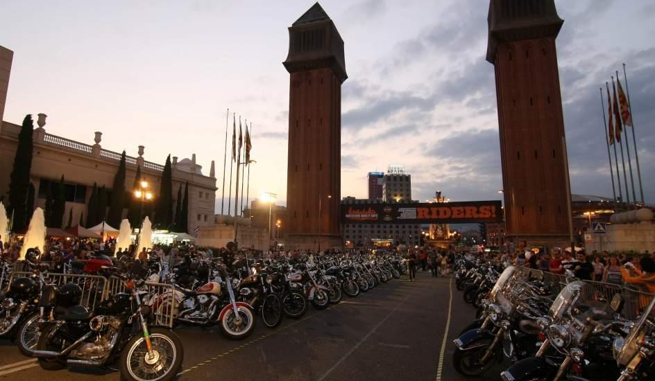 Harley Davidson. Cerca de 16.000 motos participaron en el encuentro de Harley Davidson organizado en Barcelona durante el pasado fin de semana, coincidiendo con el 110 aniversario de la marca de Milwaukee (EE.UU.).