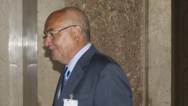 El expresidente de Catalunya Banc, Adolf Todó, compareciendo en el Parlament catalán.