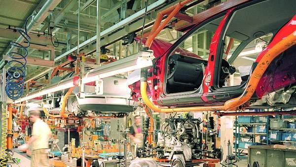 Línea de producción de la fábrica automovilística Seat en Martorell (Barcelona).