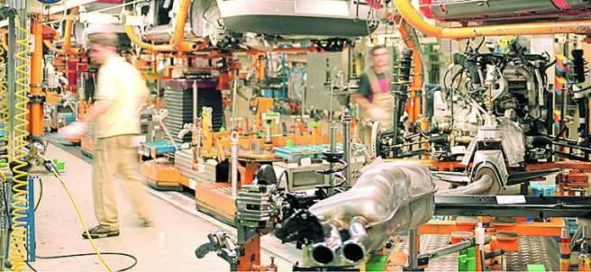 L�nea de producci�n de la f�brica automovil�stica Seat en Martorell (Barcelona).