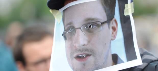 El exdirector de la CIA dice que detener a Snowden puede provocar ciberataques en EE UU