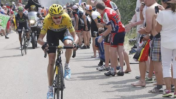 Chris Froome ataca en el Mont Ventoux