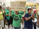 Activistas de la PAH ocupan una sucursal