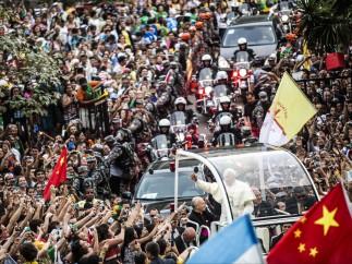 Multitudes con el papa