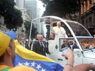 El papa llega a Río de Janeiro