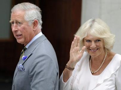 Carlos de Inglaterra y su mujer