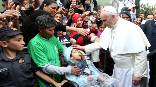 El papa en una favela
